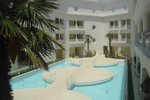 APOLAMARE HOTEL